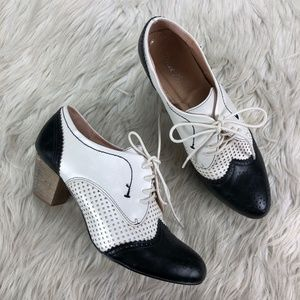 Dolce Nome Selman Colorblock Heeled Oxford